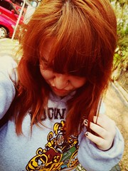 a day in the park . with my Hogwarts hoodie ;) (@mandyyporto) Tags: nerd girl ginger geek harrypotter