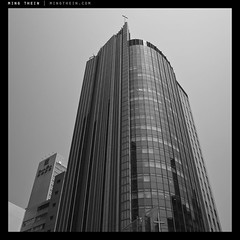 26_G007452 verticality XXVI copy (mingthein) Tags: blackandwhite bw abstract building monochrome architecture digital project square geometry availablelight 28mm v gr ming ricoh ricohgr verticality onn 2013 apsc thein photohorologer mingtheincom mingtheingallery