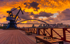 Amazing crimson clouds at sunset in Shanghai (PPPP (Passion for Paysage & Portrait with Pentax)) Tags: sunset cloud crimson clouds sunrise pentax sigma peng sigma1020 pentaxlife pentaxk200d pentaxart