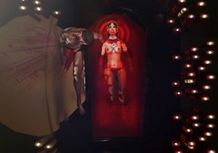 Queen of the Dammned (Ravishou) Tags: virtualworld secondlife ravischou dracula halloween chica