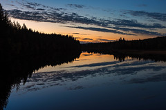 September evening at Langsele river (Fjllkantsbon) Tags: bcka doroteakommun dygnet evamrtensson lappland ormsjn sverige hst seascape september sj skymning solnedgng vatten vsterbottensln autumn sundown lapland sapmi blue bluehour
