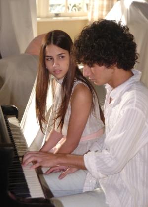 Rafael Almeida volta à TV como cantor em novela bíblica da Record