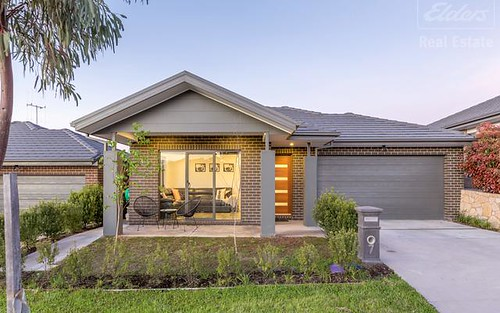 7 Carl Street, Googong NSW 2620