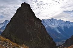 Sommet d'Aiguille... Summit (CHAM BT) Tags: escalade rocher sommet pierre granite neige montblanc nuage chamonix hautesavoie climbing rock summit stone granit snow cloud glacier