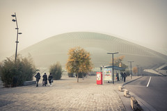 Brumeux voyage / Misty Travel (Gilderic Photography) Tags: liege belgique belgie belgium station gare guillemins mist fog brume brouillard people travel mystery canon 500d gilderic city