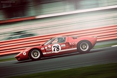 Ford GT40 at Brooklands on the Silverstone Grand Prix Circuit (@turnfive | brianwalshphotos.com) Tags: 2016 july motorsport silverstone silverstoneclassic ford gt40 classic classiccar classicracing classicford canon red