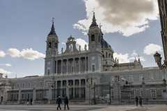 Catedral De La Almudena - Madrid 2 (rschnaible) Tags: spain europe madrid catedral de la almudena cathedral church building old hisotry historic architecture