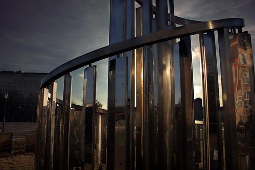 """Lichtkinetische Spirale (10) • <a style=""""font-size:0.8em;"""" href=""""http://www.flickr.com/photos/69570948@N04/31025998820/"""" target=""""_blank"""">Auf Flickr ansehen</a>"""