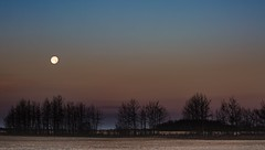 Morning Moon (wrighteye) Tags: explore landscape lseries 70200mm canon sky rise morning mom canada alberta