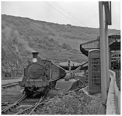 29 at Ventnor (pjs,0621) (geoff7918) Tags: ventor station phoneboxbridgew29 adams shanklin