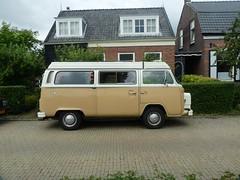Straenpenner (QQ Vespa) Tags: bus bulli bully camper oldtimer wohnmobil vintage t2 vw vwbus volkswagen westfalia motorhome