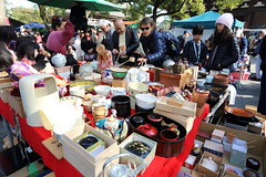 Antique market (Teruhide Tomori) Tags: fleamarket kyoto toji antique market japon japan 弘法市 京都 東寺 教王護国寺 日本 伝統文化
