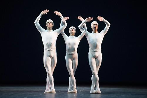 <em>Monotones II</em> Dance Highlight: Complete harmony of choreography and score