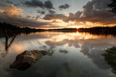Coucher de Soleil au lac d'Aiguebelette (Aurlien BERNARD) Tags: sunset cloud lake 3 canon soleil long exposure mark hard coucher lac exposition filter lee l 5d nuage lense aiguebelette filtre mkiii mk3 longue markiii 1635mm gnd 5d3