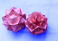 Cristallina Kusudamas (Andrey Hechuev | Андрей Хечуев) Tags: cristallina seriescristallina kusudama modularorigami origami andreyhechuev andriyx canon pink red blue fuxia rosa fucsia crystals