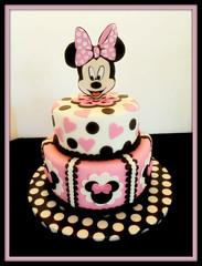 Minnie Mouse cake by Yvonne, Twin Cities, MN, www.birthdaycakes4free.com