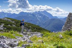 Rombon (2208m), Slovenija (Nstajn) Tags: travel summer people mountains green history nature trekking nikon war worldwari slovenia thealps dslr bovec thegreatwar tranches sokafronta 35mmf18g afsnikkor35mm18g d3100 battlesoftheisonzo