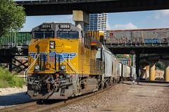 It's big bird! (Machme92) Tags: railroad sky usa up union rail row rails ge railfan railroads units railroading railfanning gevo railfans unionpacifc trainrace
