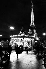 Paname en toutes saisons : Hivers 02 (Barthmich) Tags: paris tower night nikon tour eiffel trocadero nuit lightroom caroussel d3100