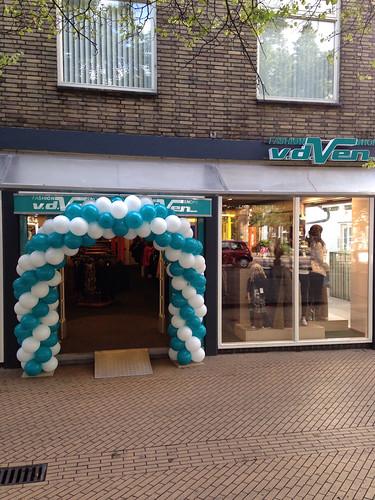Ballonboog 6m Turquoise met Wit bij van de Ven Fashion te s Gravenzande