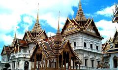 Wat Phra Kaew, Bangkok (sunlitnights) Tags: thailand temple bangkok buddha wat phrakaew