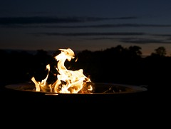 Flying saucer has landed (SuQ10) Tags: fire dragon flames flyingsaucer firepit