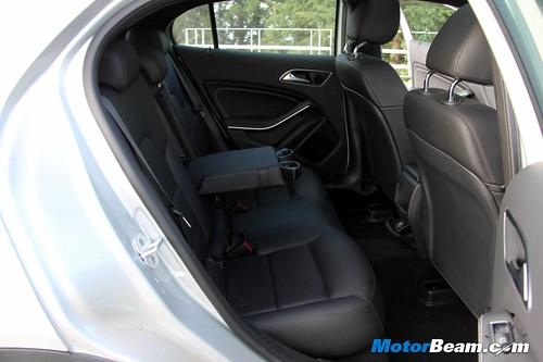 2014-Mercedes-Benz-GLA-31
