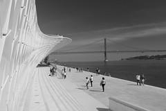 MAAT Sobre o Tejo P&B (Jorge Laurentino) Tags: maat lisboa lisbon tejo museu electricidade energy canon eos500d sol sun shine brilhante arte moderna modern art bridge ponte 25deabril punk branco white luz light