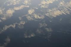 Der Morgenhimmel in der Eider; Sderstapel, Stapelholm (3) (Chironius) Tags: stapelholm sderstapel schleswigholstein deutschland germany allemagne alemania germania  szlezwigholsztyn niemcy morgendmmerung sonnenaufgang morgengrauen  morgen morning dawn matin aube mattina amanecer morgens dmmerung wasserspiegel wolken clouds wolke nube nuvole sky nuage  spiegelung refleksion reflection rflexion riflessione  reflexin yansma himmel ciel cielo hemel  gkyz eider fluss river rivire rio  fiume stream