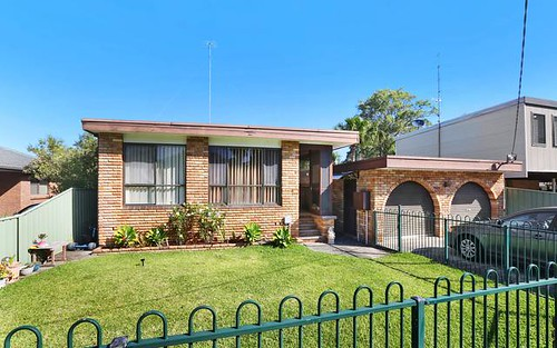16 St James Av, Berkeley Vale NSW 2261