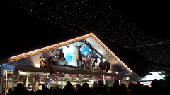 Xmas market on the Champs Elyse, Paris 8th (Sokleine) Tags: xmas market march marchdenol light lumire illuminations dark night nuit paris 75008 champselyses france magical chalet hut renne deer prenol crowd foule visitors tourists traineau sledge