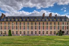 Chteau de Fontainebleau - HDR (gilles_t75) Tags: d5300 france gillest hdr nikkor1855mmf3556 nikon bracketing exposurefusion highdynamicrange photohdr photomatix tonemapping fontainebleau seineetmarne77 ledefrance chteau