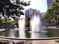 PICT0047 - Praa Saens Pea - Tijuca-RJ - Brasil (Marcia Rosa ()) Tags: water gua square rj chafariz praa tijuca saenspea marciarosa