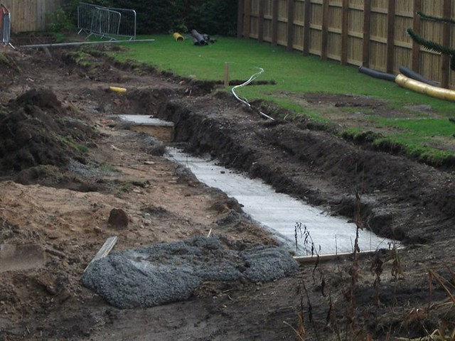 10/08/14 - A closer look at the work in the Alton Towers Hotel garden.