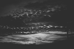 Brasília sunset (Jacqueline Lisboa) Tags: light sunset sky blackandwhite bw cloud sol monochrome branco clouds photography do pb céu preto e monocromatic nuvens nuvem por monocromático