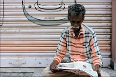 Camouflage (Vincentdevincennes) Tags: india colors colorful streetlife madurai tamilnadu inde