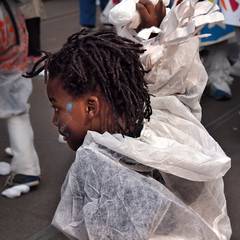 Zinneke 2014 . Transformateurs  5491 (Lieven SOETE) Tags: life brussels people public girl dance kid chica child belgium belgique bambini danza young diversity