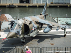 AV-8C Harrier (USS Intrepid museum, NY) (Ignacio Ferre) Tags: usa ny newyork harrier nuevayork ussintrepid av8c britishaerospacemcdonnelldouglasav8c