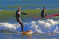Gul och rd 1 (Quo Vadis2010) Tags: beach sport strand se surf waves sweden lifestyle wave surfing sverige activity westcoast halmstad sandhamn aktivitet halland vgor brda vstkusten vg kattegatt seasport thewestcoast livsstil wavesurf wavesurfing fritidsaktivitet laholmsbukten vgsurfing vgsurf cityofsurfers surfbrda grvik municipalityofhalmstad seahav halmstadkommun sjsport