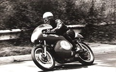 42-uberti-foppa-al-circuito-di-monza-n--24-e-con-ducati-250-cc-6--classificato---1970