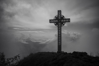 summit cross . Sassariente