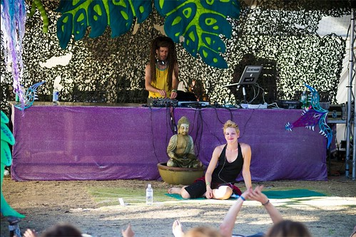 "Yoga of Bass Rainbow Serpent Claire and Darin • <a style=""font-size:0.8em;"" href=""http://www.flickr.com/photos/99447162@N06/29665054194/"" target=""_blank"">View on Flickr</a>"