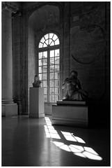 Sculpter la lumire (Pascal.M (bong.13)) Tags: muse calvet sculpture statue ombre lumire noiretblanc nikon blackandwhite d3200 avignon vaucluse provence