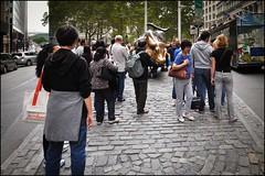 2010-09_DSC_1831_20160915 (Ral Filion) Tags: newyork usa ville cit urbain conomie commerce touriste taureau sculpture trottoir sidewalk tourist city urban economy chargingbull