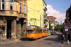 Dwag-Zug 4208/4281 an der Haltestelle 'ul. Pirotksa' (Frederik Buchleitner) Tags: 208 281 4208 4281 bulgaria bulgarien blgariya duewag dwag grosraumwagen grosraumzug linie22 sofia stolitschenelektrotransportag strasenbahn streetcar t4 tram trambahn vierachser tramvai     sofiacity blgariya dwag groraumwagen groraumzug straenbahn tramvai