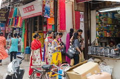 Delhi - DSC_0162 (John Hickey - fotosbyjohnh) Tags: 2016 holidays october2016 india delhi streetscape street tourism traveldepartment travel activity lifestyle ladies colourful people nikon nikond5100 visitors