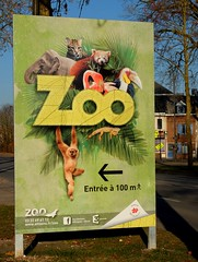 Pancarte ZOO d'Amiens (entrée à 100 m) (xavnco2) Tags: amiens somme picardie france lahotoie pancarte zoo animaux advertising werbung publicité french sign panneau