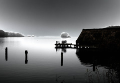 Bootshaus am See (pyrolim) Tags: bischofsee bosau groserplnersee bootshaus winternebel