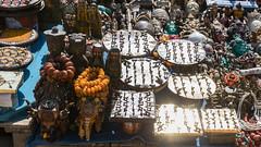 Shining... (Kantashoothailand) Tags: kathmandu centraldevelopmentregion nepal np canon 1dx markii ef2470mmf28liiusm durbarsquare streetphotography market basantpursquaremarket shining
