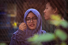 Female and Friend (apridinoto) Tags: gadis jogja cewek jilbab moslem indonesia yogyakarta pengunjung pasty pasar burung